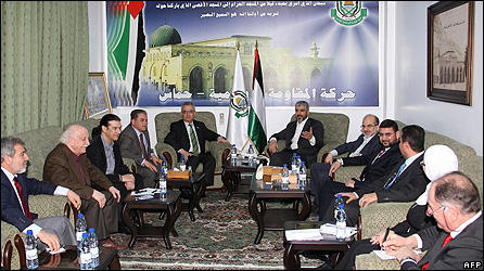 Hamas's political leader in Damascus hosts European parliamentarians